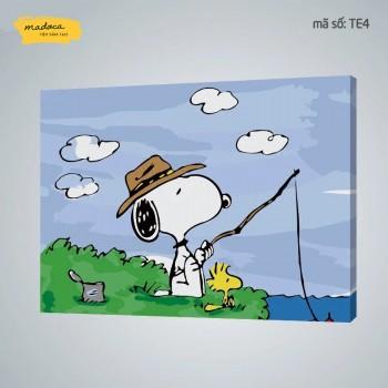 Tranh tô màu Chú cún Snoopy câu cá TE4