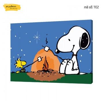 Tranh tô màu Chú cún Snoopy nướng kẹo TE2